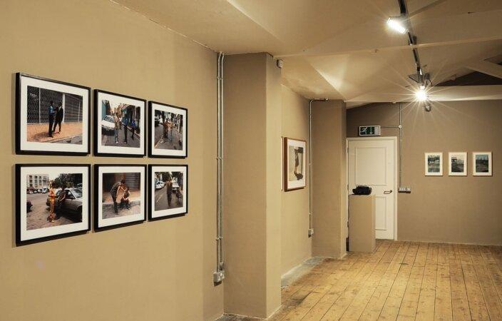 Ariel Orozco, Yo paso por la ciudad y la ciudad pasa por mi, 2005, installation view, Pete and Repeat, 2009 at Zabludowicz Collection, London. Photo: Thierry Bal