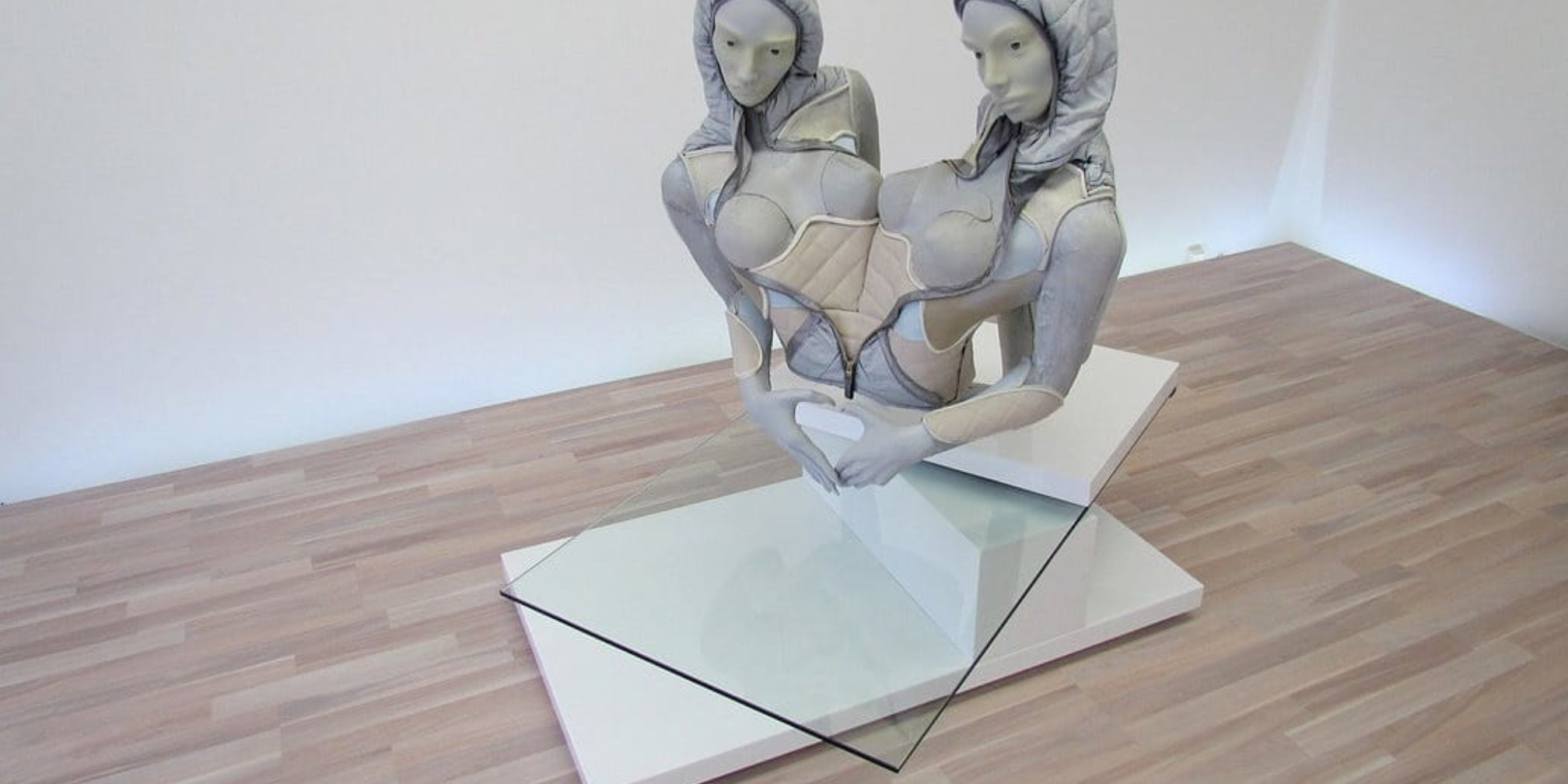 Anna Uddenberg, BFF Twin Torso, 2015, courtesy of the artist and Sandy Brown, Berlin