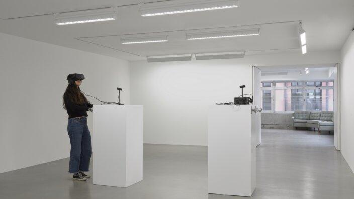 Jordan Wolfson, Real Violence, 2017. Installation view, Jordan Wolfson, Riverboat song, Sadie Coles HQ, London, 2017. Copyright the artist, courtesy Sadie Coles HQ, London. Photo: Robert Glowacki